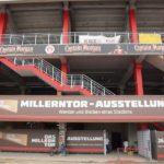 Die Millerntor-Ausstellung befindet sich in der Gegengeraden, mit Zugang vom Dom aus.